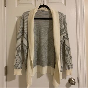 Charlotte Russe white and gray print cardigan